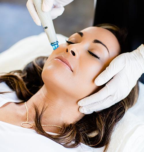 HydraFacial_Treatment_Female